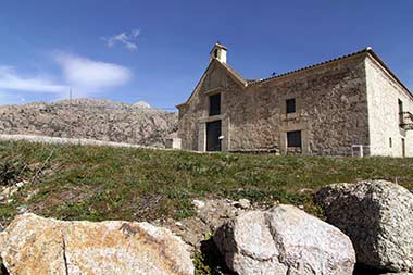 Un edificio del siglo XV acoge el primer albergue del Camino de Santiago de Madrid