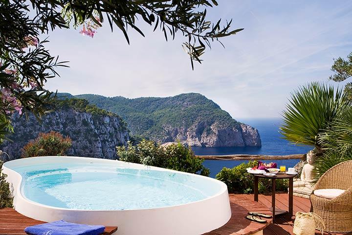 Vive una experiencia de lujo en el Hotel Hacienda Na Xamena en Ibiza