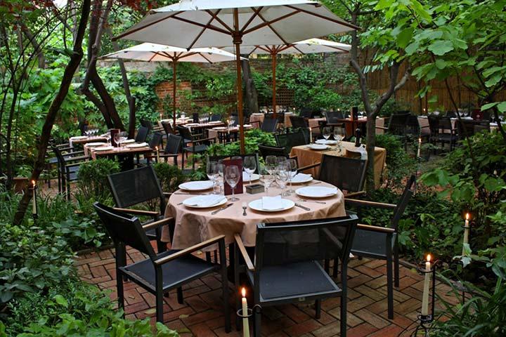 Manzoni e iroco abren sus terrazas con la llegada de la for Restaurantes con terraza madrid