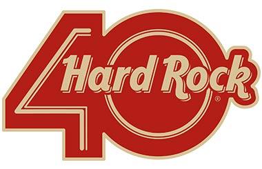 Quedada de guitarras con el grupo MÄGO DE OZ en la terraza de Hard Rock Cafe