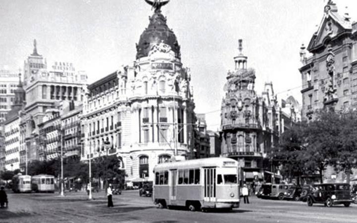 25 imágenes en la historia del transporte público de Madrid