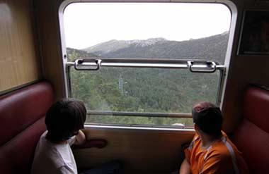 El Tren de la Naturaleza acerca a los escolares a la Sierra de Guadarrama