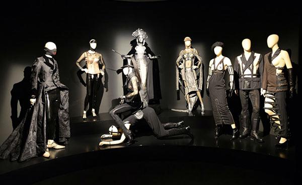 Jean Paul Gaultier. Universo de la moda: de la calle a las estrellas