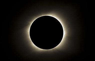 """Hoy habrá un """"Eclipse total de Sol"""" que podrá verse en España a través de Internet"""