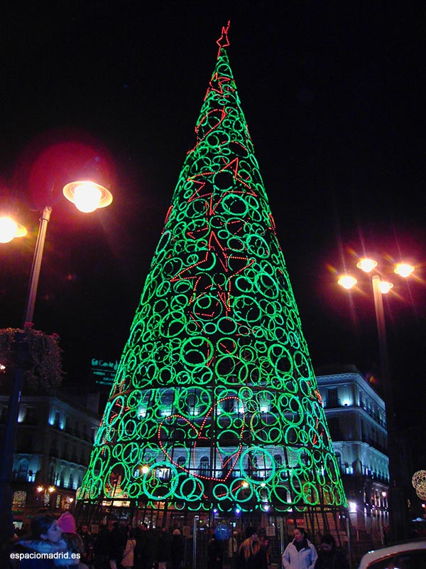 Especial luces de navidad en madrid espacio madrid for Iluminacion para arboles
