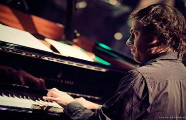 Concierto del Pianista Juan Cruz Peñaloza en la sala Berlín Café de Madrid