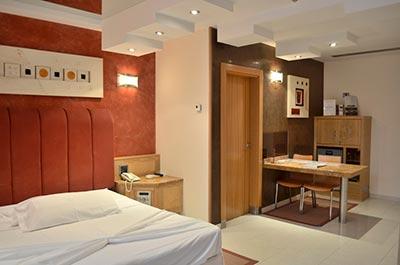 Por nuestro segundo aniversario te invitamos a una suite con piscina privada en zouk hotel - Suite con piscina privada madrid ...