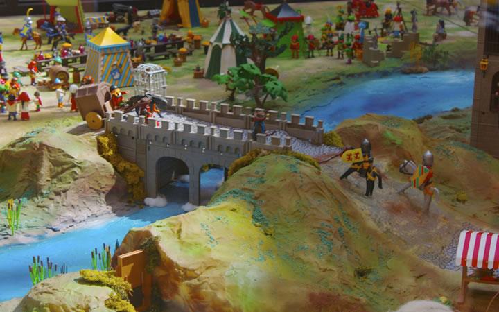 """El C.C.Arturo Soria Plaza expone un diorama de Playmobil de 50 m2, """"El Passo de Honroso"""""""