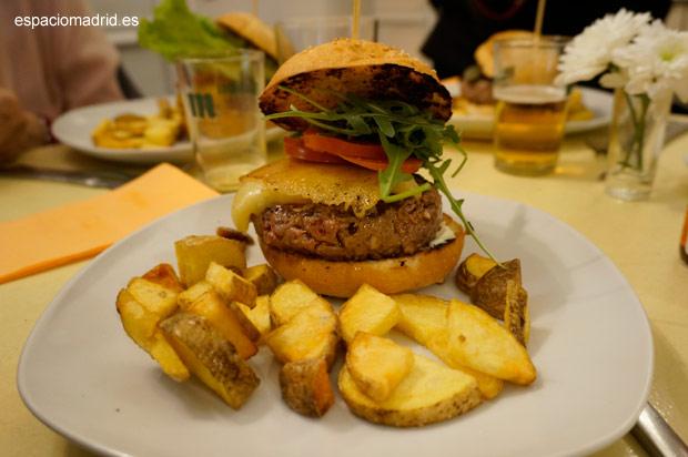 Carmencita Bar, hamburguesas gourmet en Malasaña