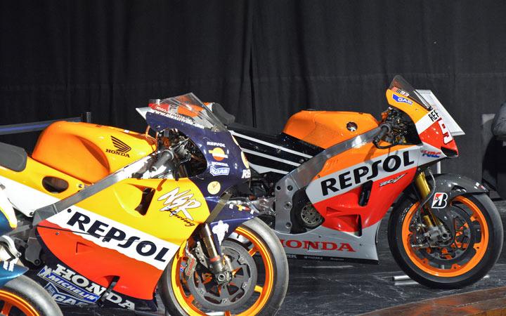 Exposición Casa de América, motos de Mick Doogan, Álex Crivillé, Valentino Rossi, Nicky Hayden, Casey Stoner y Marc Márquez