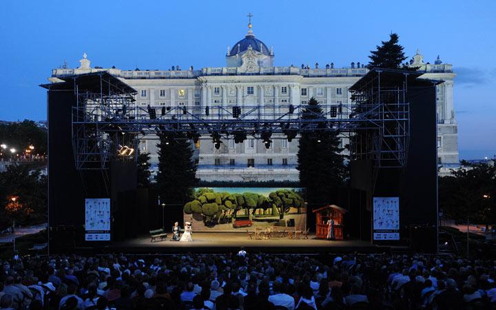 Programaci n festival veranos de la villa 2014 del 30 de for Jardines sabatini conciertos