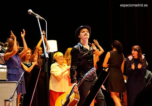 """Coque Malla y sus """"Mujeres"""" llenan el Teatro Circo Price por los Veranos de la Villa"""