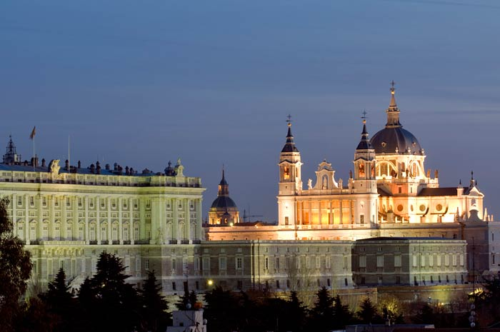Palacio y Almudena