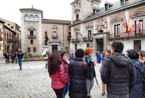 Ruta guiada por el Madrid de los Castrados, esclavos y torturados