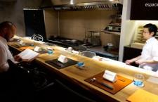 Barra junto a la cocina