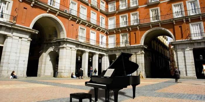 Madrid se llena de pianos 2019, pianos de cola que podrás tocar en plena calle