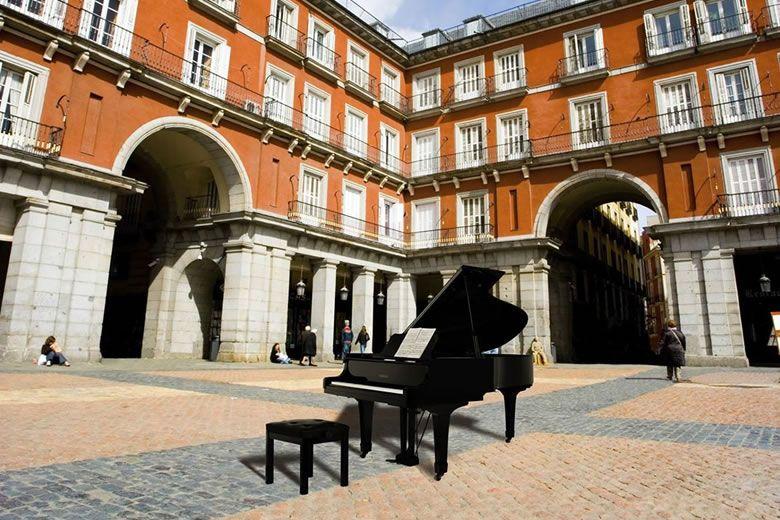 Madrid se llena de pianos 2017, pianos de cola que podrás tocar en plena calle