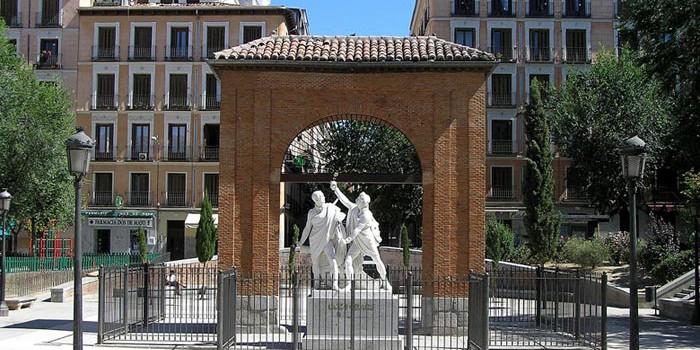 Monumento a Daoiz y Velarde, en la plaza del 2 de Mayo de Madrid