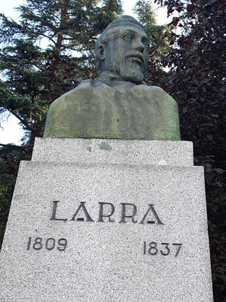 Busto de Larra en la calle Bailén