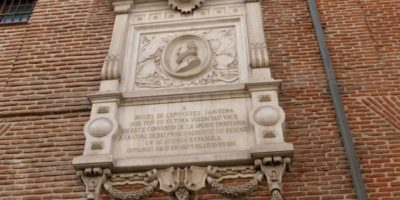 Visitas guiadas a la tumba de Miguel de Cervantes en Navidad