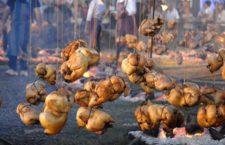 """Degustación gratuita de """"Pollos al hilo"""" en la Plaza Mayor de Madrid"""