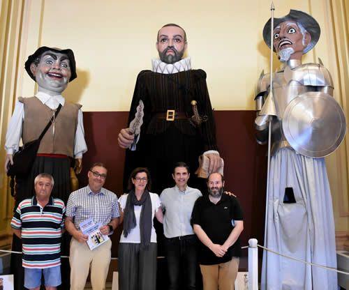 gigantes_y_cabezudos_alcala_de_henares