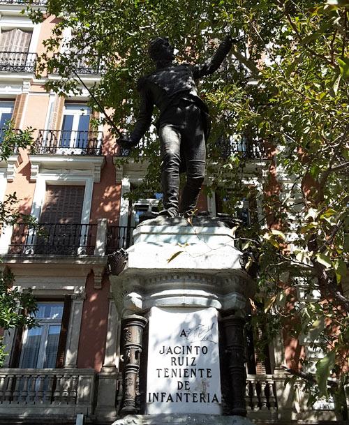 Monumento al Teniente Jacinto Ruiz Mendoza