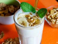 Batido de yogur, plátano y nueces