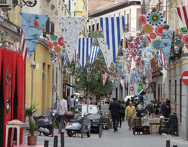Mercadillo-Calle-San-Pedro