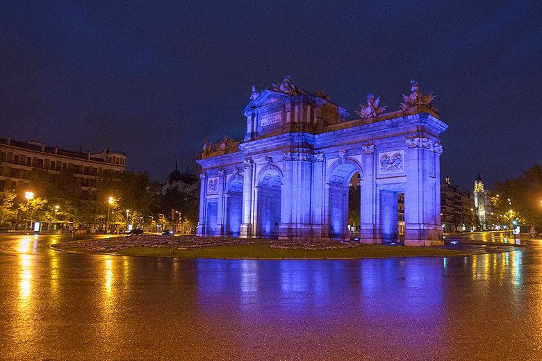 #MakeItBlue: el Palacio de Cibeles y la Puerta de Alcalá se iluminarán de azul